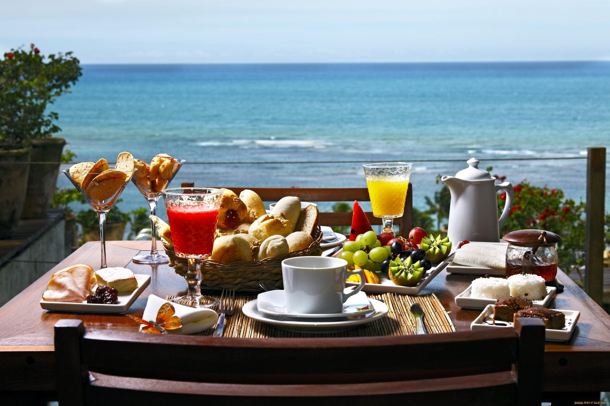 Красивый завтрак у моря картинки думают