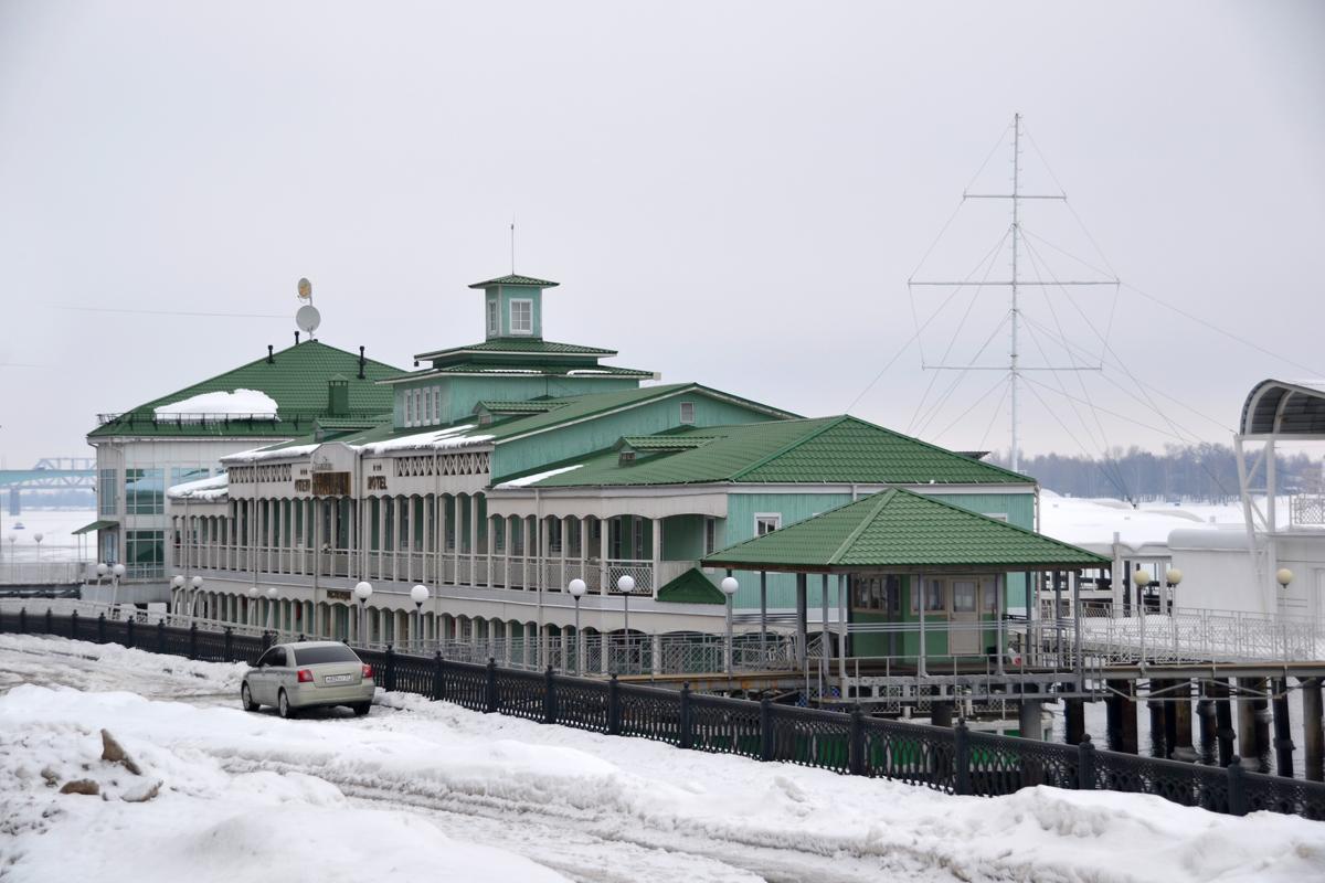 15. Старый речной вокзал. Теперь здесь находится ресторан.